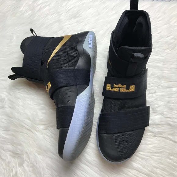 high top lebron shoes